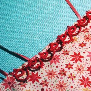 frivolite bordure rouge avec perles sur caracot Zélie